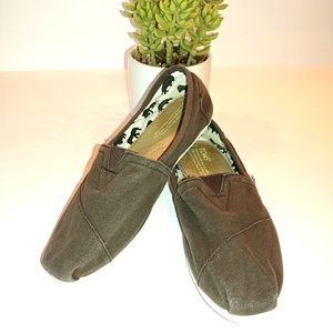 Toms Brown Canvas Shoes Size 9 Animal Lining
